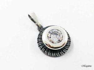 Pakabukas su Swarovksi kristalu S1895